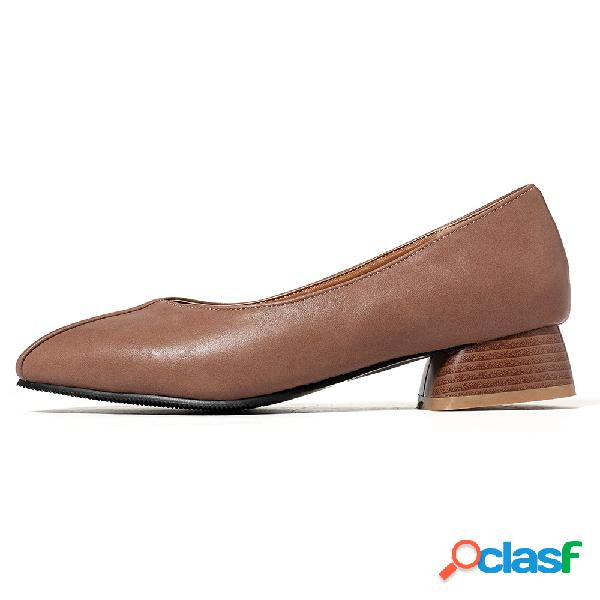 Mocassins elegantes de salto baixo com toe redondo