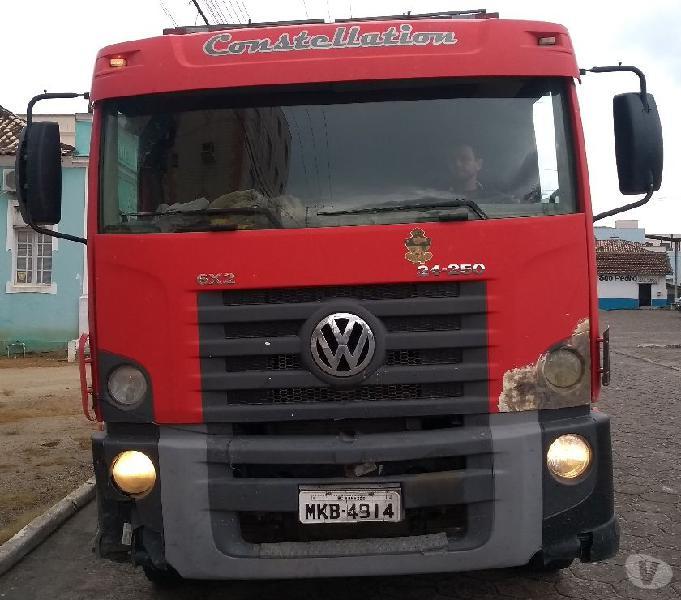 CAMINHÃO VW 24.250 6X2 EQUIPADO COM COMPACTADOR LIXO