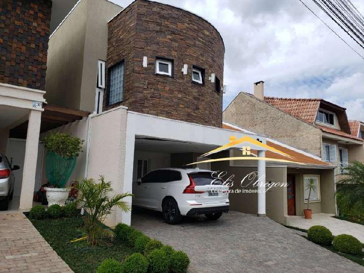 Casa de condomínio para venda tem 230 metros quadrados com