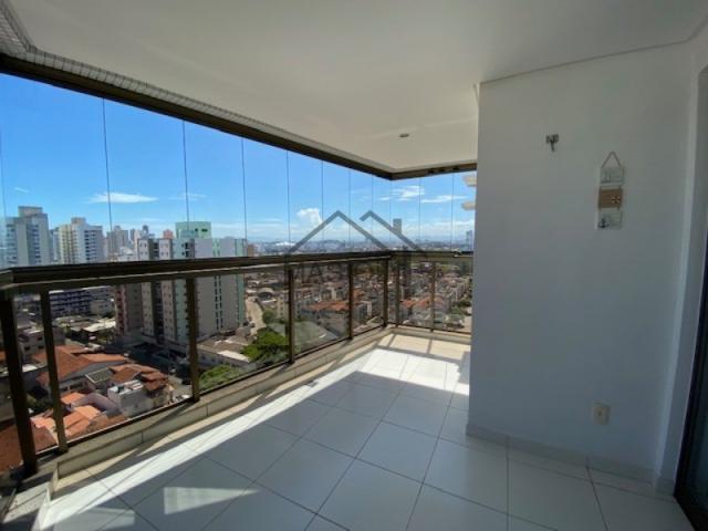 2 quartos com varanda grande, vista mar e cidade, andar alto