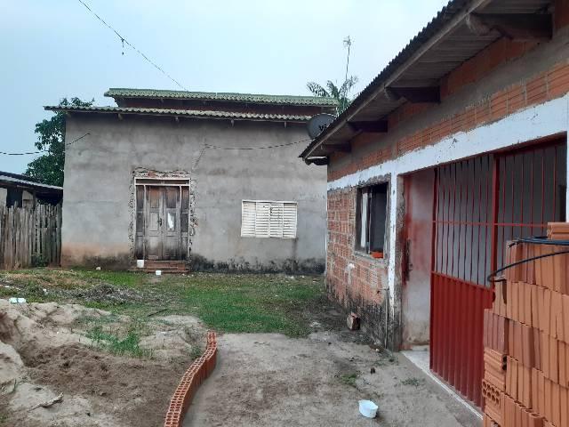 Aluga-se casa no bairro Bahia Nova