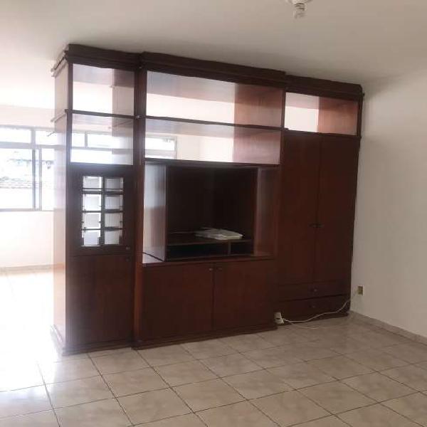 Aluguel de sala living dividida para 1 dorm., com 35m, na
