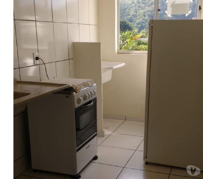 Vende-se Apartamento pré mobilhado em Condomínio fechado.