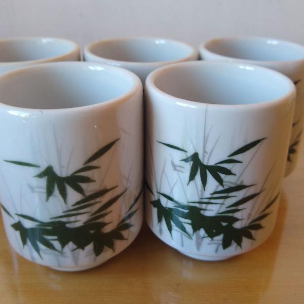 conjunto com 5 xícaras de chá japonesa