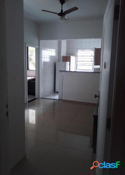 Apartamento 2 dormitórios em ótima localização em São