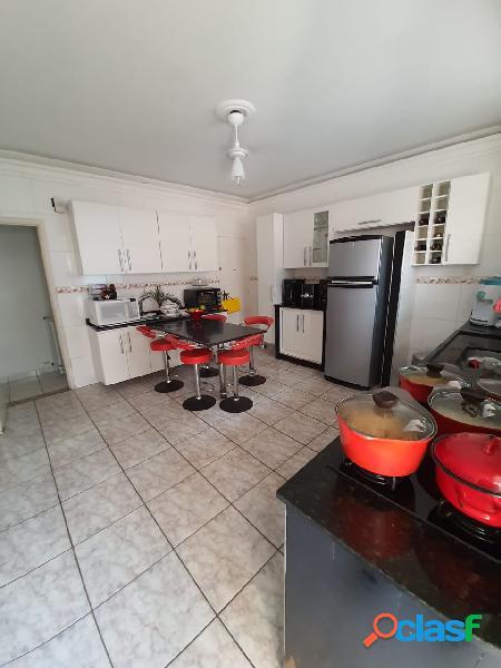 Apartamento de 2 dormitórios em Santos no Marapé, garagem