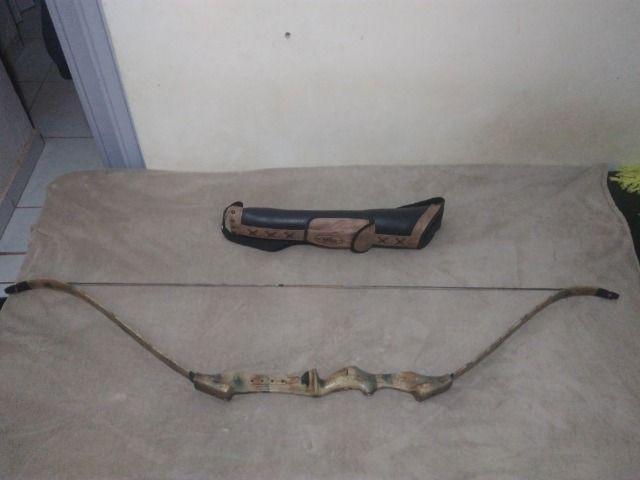 Arco e flecha Velox camuflado 40LBS + Aljava
