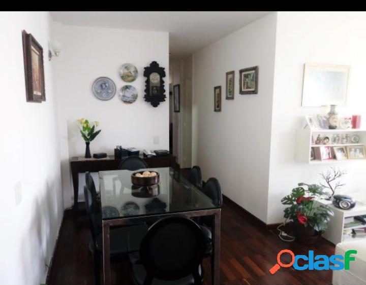 Excelente apartamento recém reformado no Centro de São