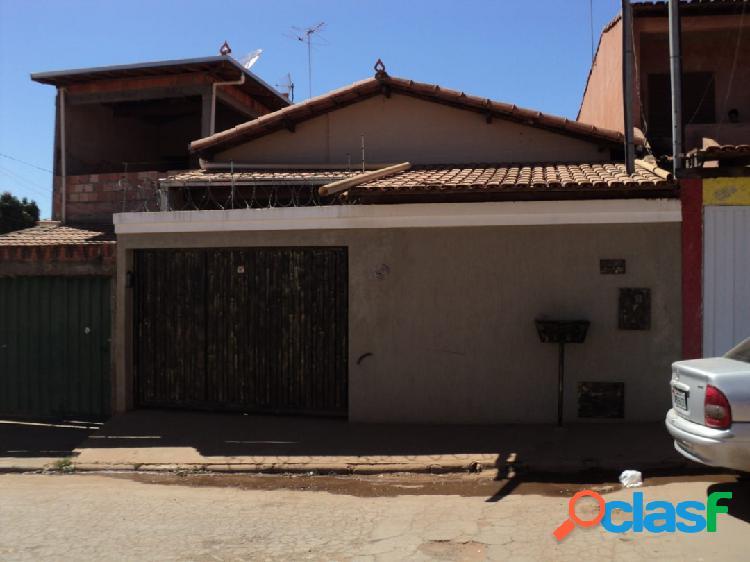 Santa Laura|Casa de 3/4 sendo 1 suite próximo a lagoa