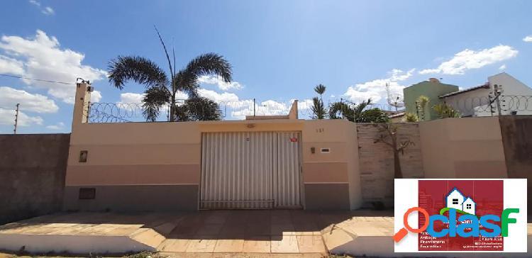 Vende- se uma linda Casa no Bairro Santa Delmira
