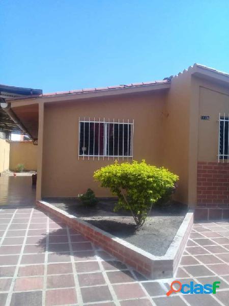 Vendo Casa en San Joaquin Urbanizacion Villas Del Centro