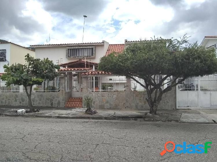 350 M2 La Trigaleña Casa de Dos Niveles, en Venta Calle