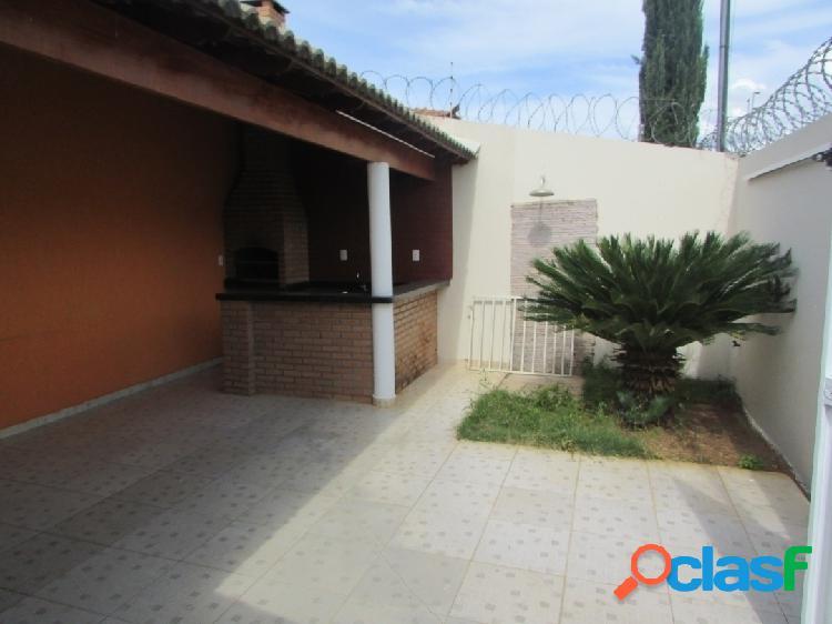 Vila Campos|Casa com área gourmet coberta