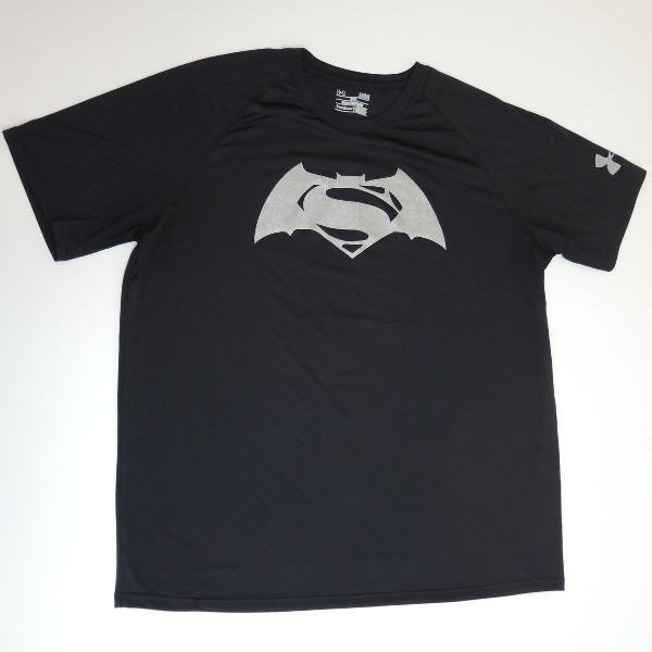 Camiseta Under Armour Batman vs Superman