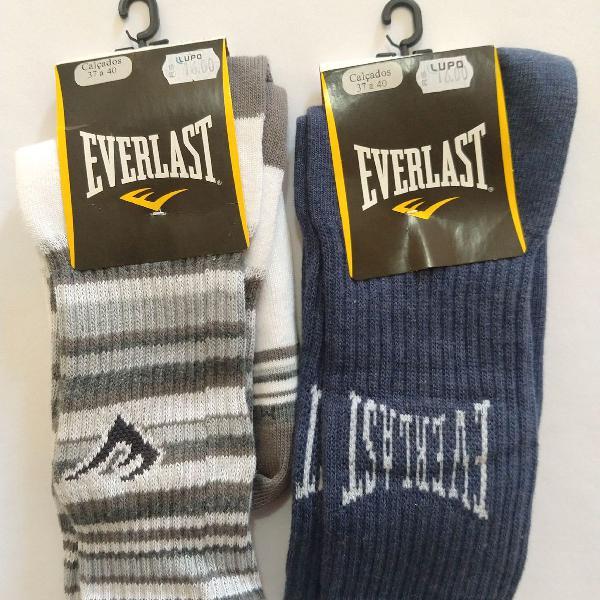 Dois pares de meias