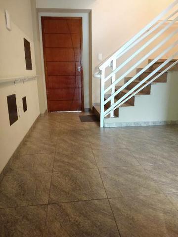 Alugo excelente apartamento no bairro Santa Paula