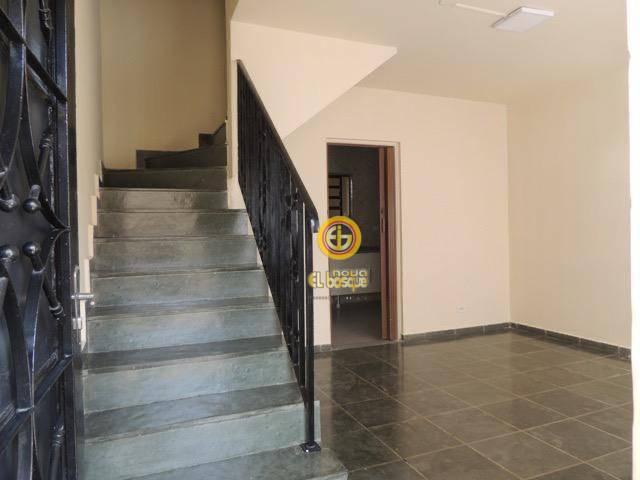 Sobrado com 2 dormitórios para alugar, 116 m² por R$