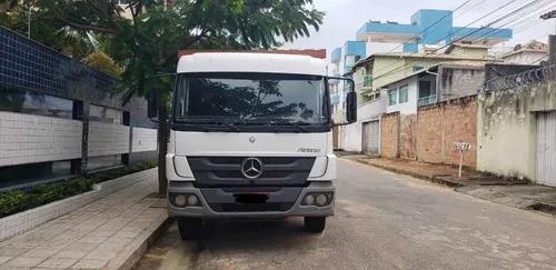 Aluga-se Mercedes Benz - Guindaste/munck