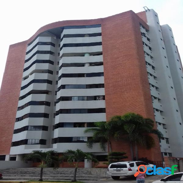 120 m2 Bello Apartamento en Alquiler en Valle Blanco