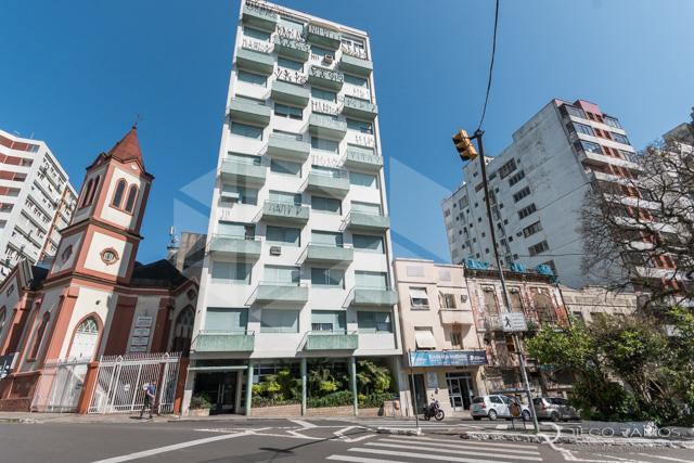 Apartamento para alugar com 3 dormitórios em, cod:I-006359