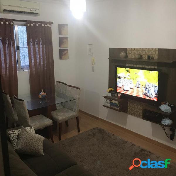 Apartamento de 2 dormitórios em Santos no Marapé.