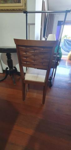 Conjunto de Mesa com tampa de vidro e 4 cadeiras