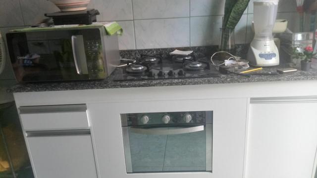 Vendo balcão de Mamoré com fogão e forno elétrico