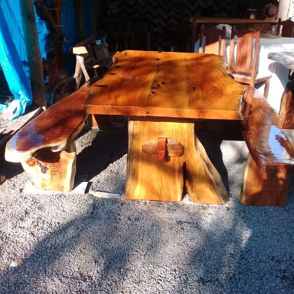 Mesa com bancos madeira maciça