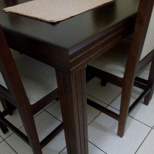 Mesa de Jantar com 6 cadeiras - Marrom