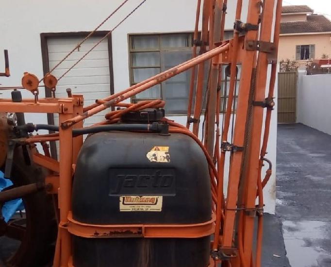 Pulverizador jacto 600 litros 2004