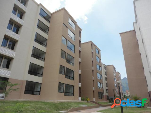 RE/MAX Ofrece en Venta Lindo apartamento en Res. Valle