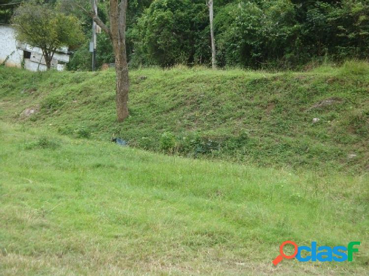 Terreno con anteproyecto de villas en Guataparo