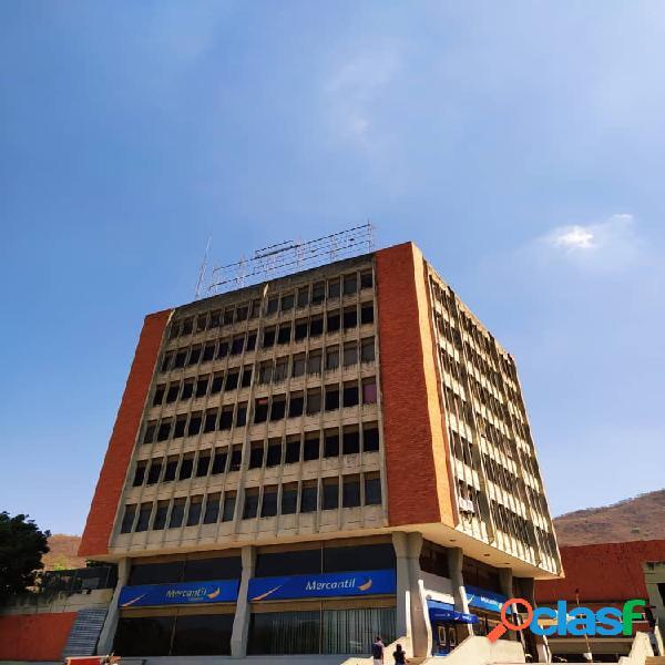 89m2 Oficina en Venta ubicada en CC Lomas Del Este