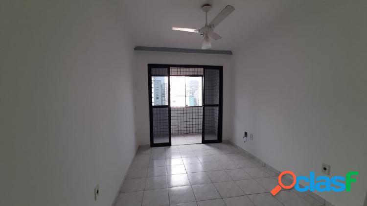 Apartamento 2 dormitórios de frente com sacada no Boa Vista