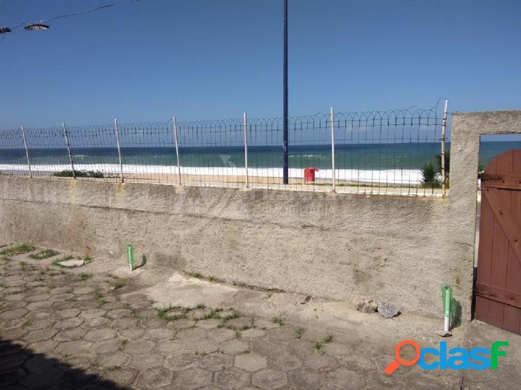 Bela casa em frente ao mar da Barra de Maricá