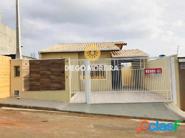 Casa térrea à venda em Atibaia com 3 dormitórios