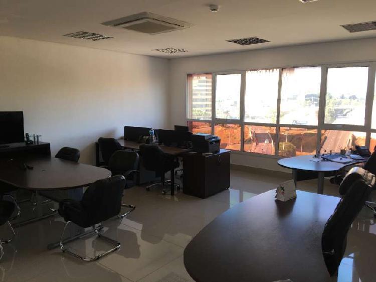 Sala/Conjunto para aluguel e venda tem 44 metros quadrados
