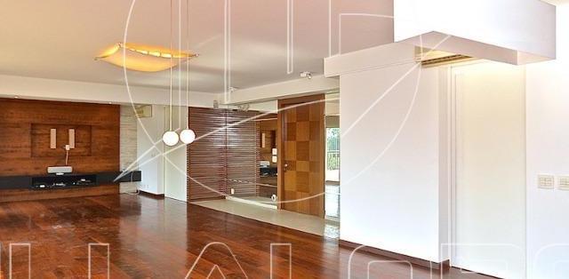 Apartamento com 4 dormitórios à venda, 220 m² por R$