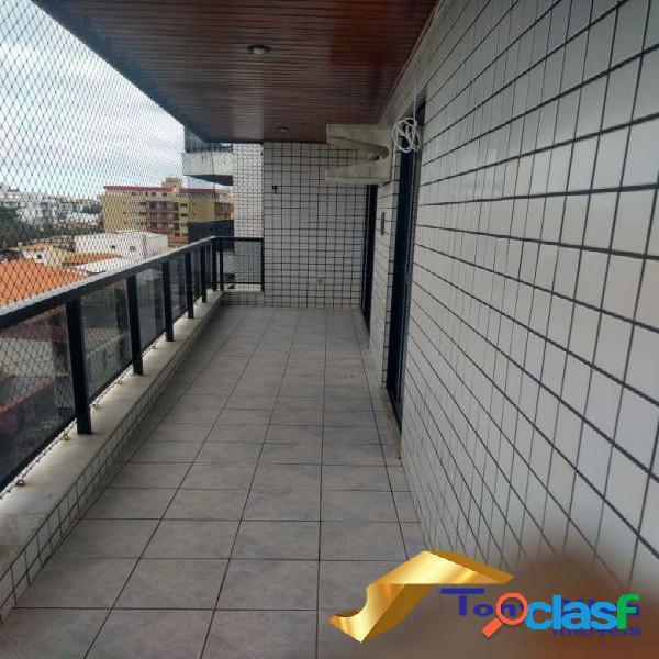 Excelente apartamento de 2 quartos com dependência no Braga