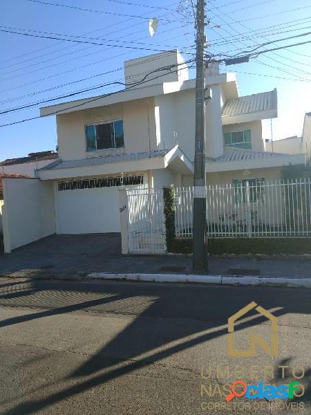 Linda casa a venda no bairro Vila Real em Balneário