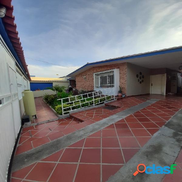 Venta de Hermosa Casa en El Morro I IMPECABLE