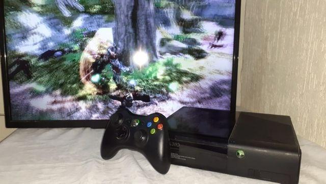 Xbox 360 Super Slim! + Jogo + Controle Sem Fio + Cabos e
