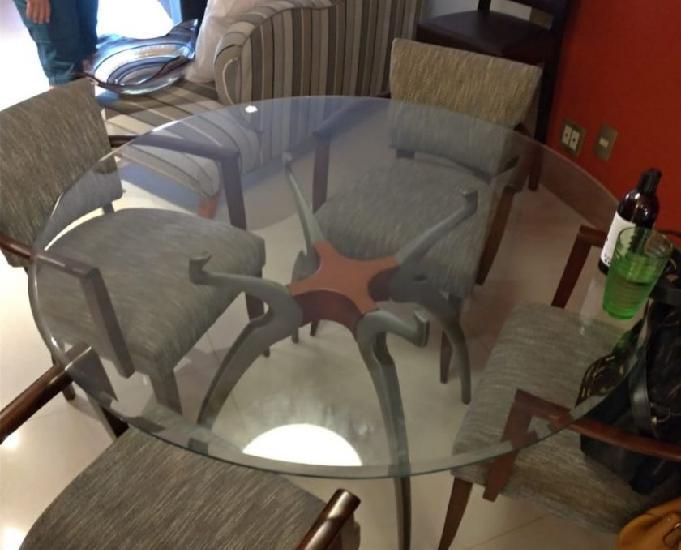 Vendo Conjunto de Mesa redonda com 4 cadeiras estofadas