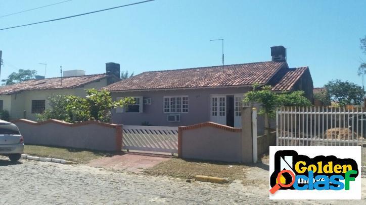 Casa de 4 dormitórios no Bairro Turimar em Balneário