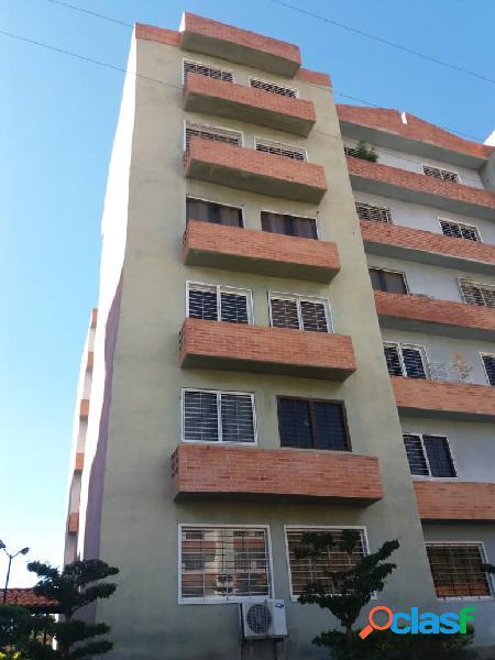 Se vende Apartamento en la Abadia, San diego en obra gris.