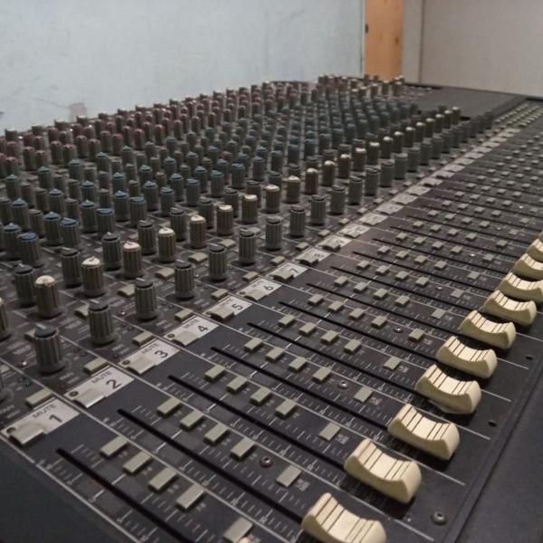 mesa de som 24 canais kit
