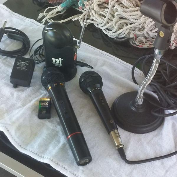 vendo dois microfones tsi, profissional um sem fio com todos