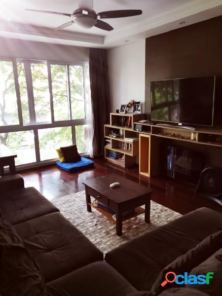 Apartamento com 3 dormitórios, suíte e duas vagas, de