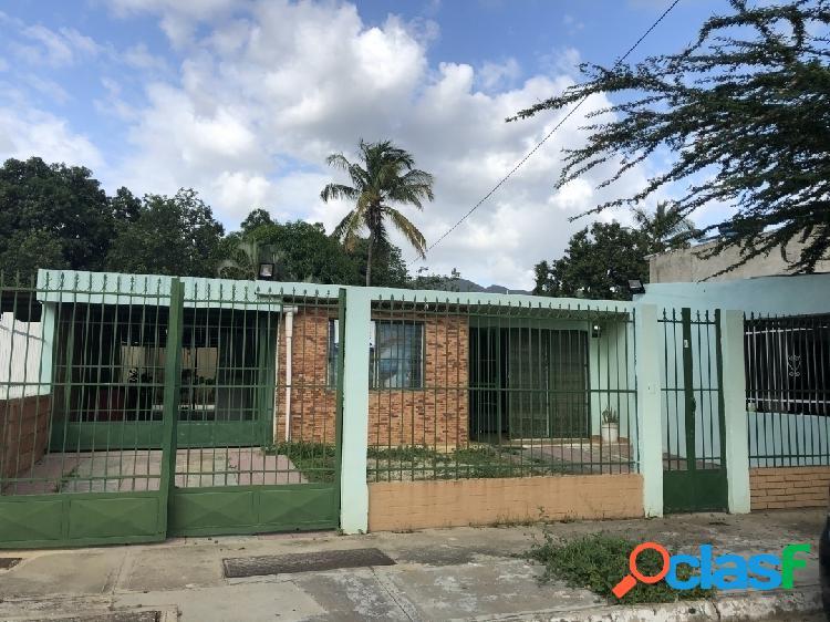 292 M2 Casa en Venta Las Quintas Naguanagua