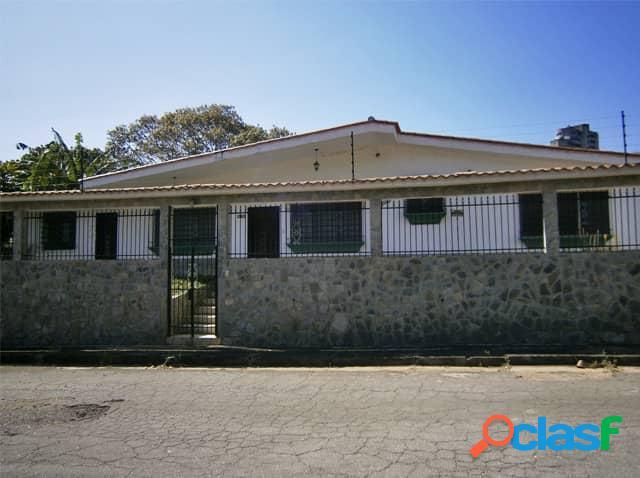 Casa en venta en Lomas del Este 520m2